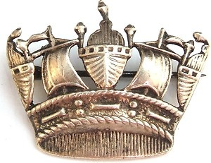 Silver crown brooch $18: Crowns Brooches, Silver Crowns, Brooches 18, Stories Ideas, Ideas Places Characters Etc
