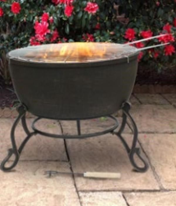 Extra large 60.5cm diameter solid cast iron fire bowl with BBQ grill. Not only can you use this fire pit to keep warm but you can cook on it too!This fire bowl is made from cast iron which heats up quickly and can retain the heat for a long time making it the perfect fire pit material.Stand is included.
