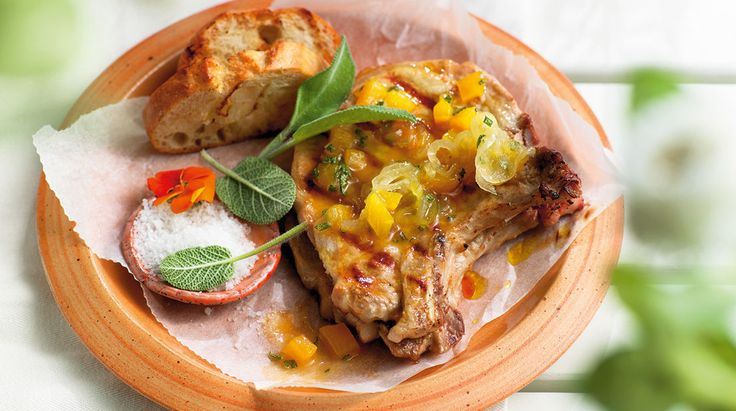 Schweinekoteletts mit Pfirsich-Topping