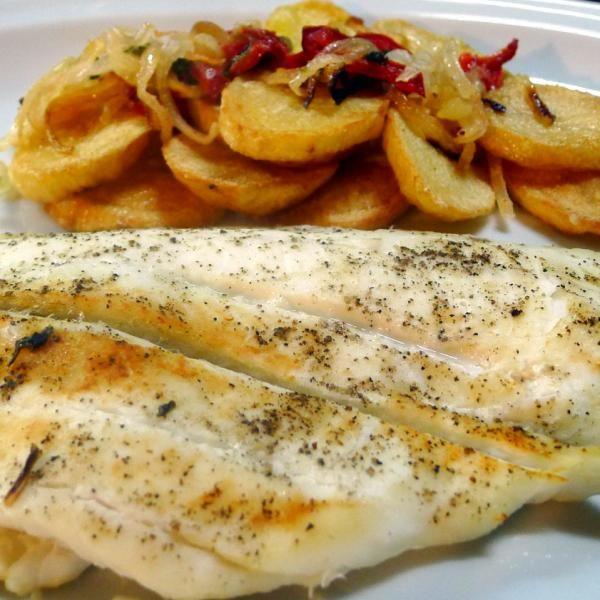 Aprende a preparar lenguado al horno con patatas con esta rica y fácil receta.  Con esta receta de lenguado al horno no solo sorprenderás a todos tus invitados, sino...