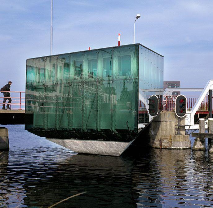 BAR Architecten - Rotterdam-Joost Glissenaar en Klaas van der Molen - brughuis in Middelburg.