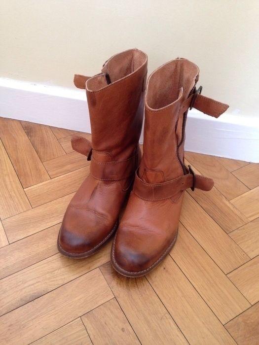 Mi Botines camperos color Camel de ! Talla 36 por 39,90 €. Echa un vistazo: http://www.vinted.es/zapatos-de-mujer/botas/148598-botines-camperos-color-camel.
