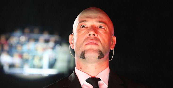 Der Graf hört auf - Alle Unheilig-Fans müssen jetzt ganz stark sein: Frontmann Der Graf hat in einem offenen Brief seinen Rückzug aus dem Musikgeschäft angekündigt.