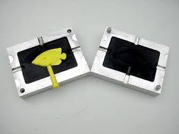 Risultati immagini per building a plastic injection molding machine