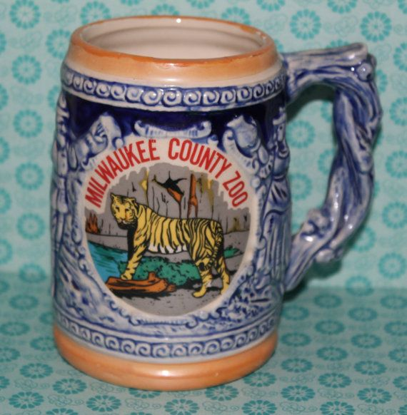 Milwaukee Zoo Souvenir Wisconsin State Ceramic Stein