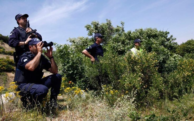 На контрабанду мигрантов «подсаживают» греческих подростков http://feedproxy.google.com/~r/russianathens/~3/EgQOVmxbPdY/22035-na-kontrabandu-migrantov-podsazhivayut-grecheskikh-podrostkov.html  Несовершеннолетние в возрасте 15 лет все чаще используются контрабандистами для перевозки нелегальных мигрантов, проникающих в Грецию через еесеверо-восточную границу с Турцией в Эвросе.
