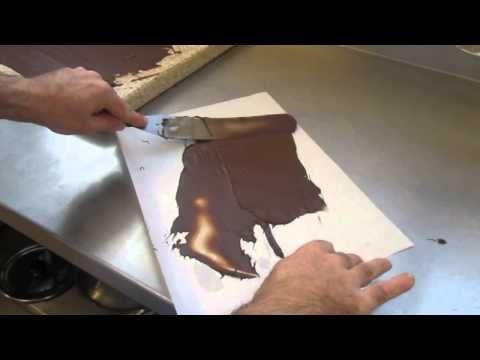 Cours de cuisine: Méthode simple pour réaliser des copeaux de chocolat - YouTube