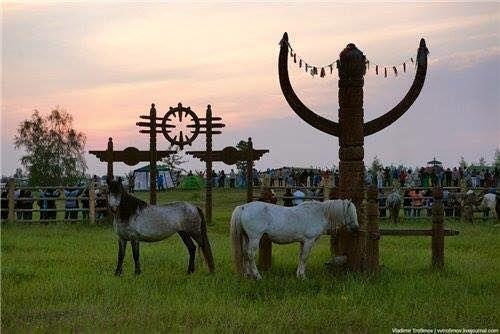 """""""YSYAKH-CELEBRATION"""" / Traditional New Year Sakha Summer Solstice Celebration of the """"Sakha-Turks"""" (also falsely known as Yakuts) - from the 29th to the 30th of June each year; located: Northeast-Turan """" Ysyakh-Kutlama """" / geleneksel yeni yıl sakha yaz gündönümü kutlama """" Sakha-Türkler """" (ayrıca olarak bilinen yanlış yakutlar)-from the 29 th, 30 Haziran ' da yapılacak her yıl; Located: Kuzeydoğu-Turan"""