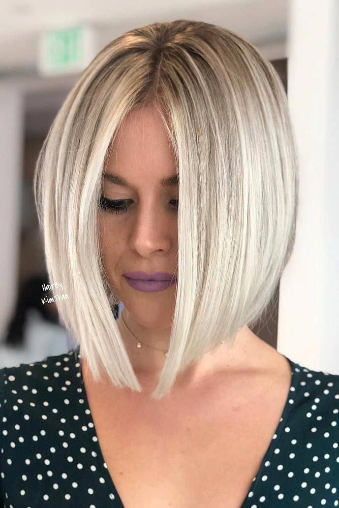 Milieu Parted Blonde Medium Bob #haighthair #hairtype #hairstyles #bobhaircut #blondehair À la recherche de