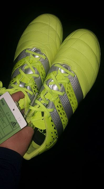 #Nagelneue #original #Adidas Fussballschuhe #gr 42 3/4 #in Neon G... #Nagelneue #original #Adidas Fussballschuhe #gr 42 3/4 #in Neon #Gelb #zu #verkaufen   NP 199 #euro VP    99 #euro  #Versand #moeglich 7 #euro versichert  #Link #zum #schwarzen Brett:  #Nagelneue #original #Adidas Fussballschuhe #gr 42 3/4 #in Neon G... | #Kleinanzeigen #Saarbruecken / #Saarland http://saar.city/?p=44289