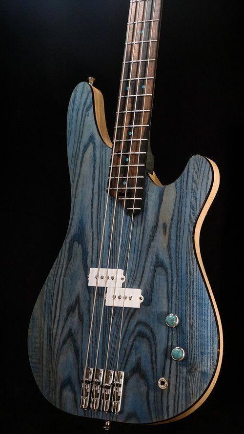 17 splendid bass guitar instrument cable bass guitar thumb rest guitarsolo guitarporn. Black Bedroom Furniture Sets. Home Design Ideas