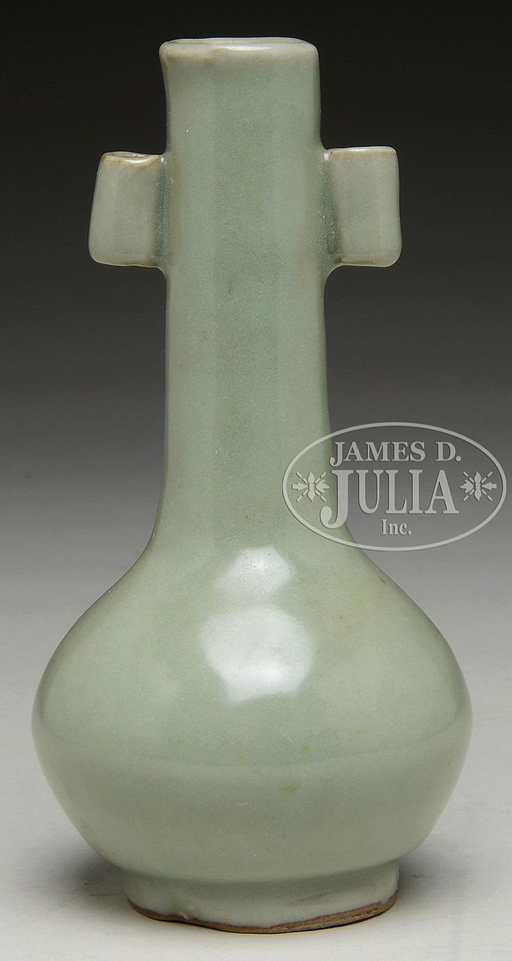222 best celedon images on pinterest chinese ceramics pottery the vase has long and slender neck with two lugnut handles attached glazed in celadon reviewsmspy