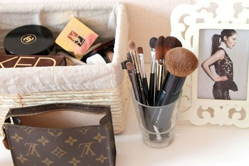 organise beuty cosmetics
