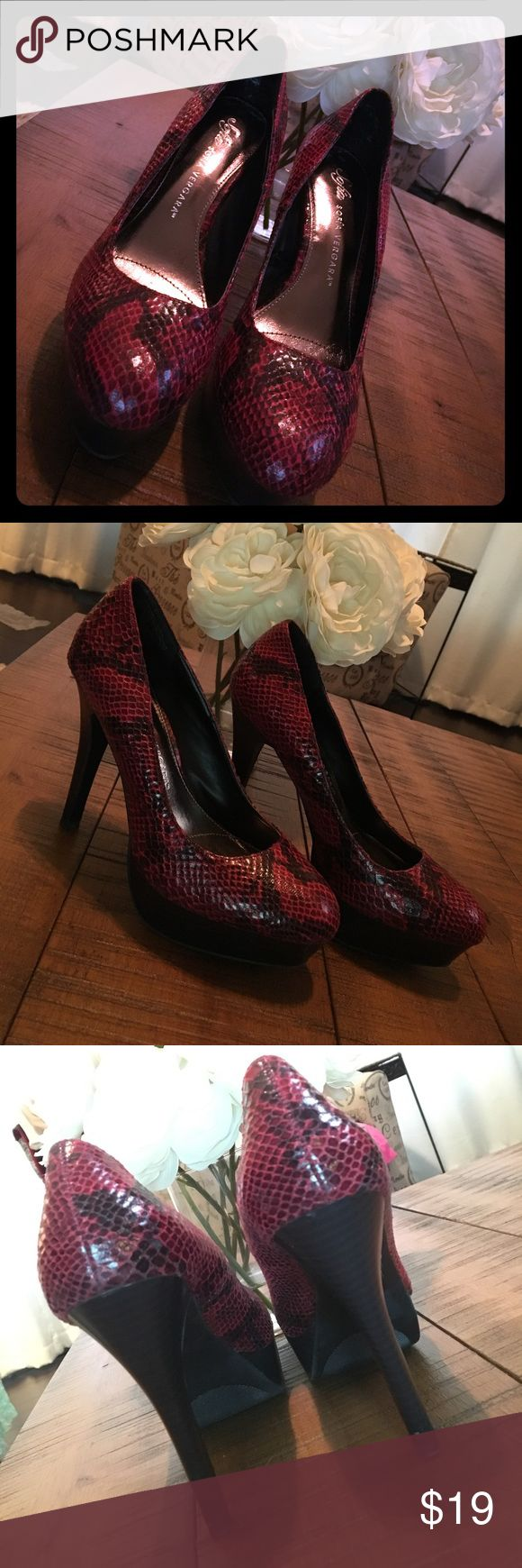 "Sofia Vergara Faux Snakeskin High Heels Black and red Faux snakeskin high heels with black heel and platform. These are like new and have only been worn once! Heel height is 5""! Sofia Vergara Shoes Heels"