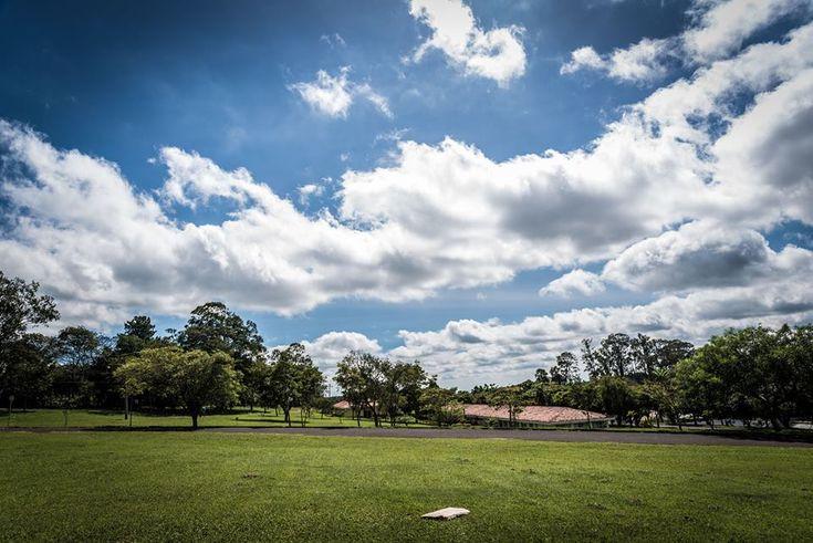 Semana começa com sol e calor; tempo poderá mudar na quarta-feira em Botucatu -     Segundo informações do Ipmet/Unesp, a segunda-feira (29/08), a massa de ar seco ainda predomina sobre o estado de São Paulo, mantendo o tempo estável com predomínio de sol, poucas nuvens e sem previsão de chuva na maior parte do estado. Porém, áreas de instabilidades sobre o Mato Gros - http://acontecebotucatu.com.br/cidade/semana-comeca-com-sol-e-calor-tempo-podera-mudar-n