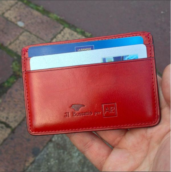 #portecartes #cardholder #handmade #cuir #rouge #luxe #madeinItaly #madeinFrance