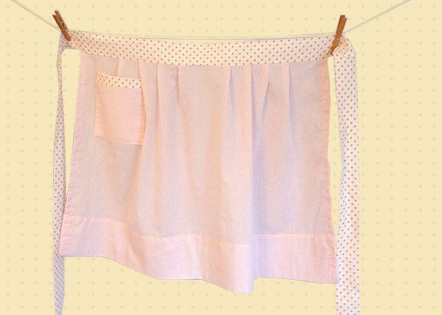 Crochet Egg Apron : Make this darling vintage apron - Lori shares her free pattern.