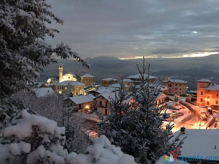 Giovedì 12 gennaio 2016 su tutto il territorio del Vergante è scesa una candidata coltre di neve. Abbiamo voluto raccogliere le foto più belle...http://ilvergante.com/vergante-in-bianco-le-foto-della-nevicata-del-12-gennaio-2017/