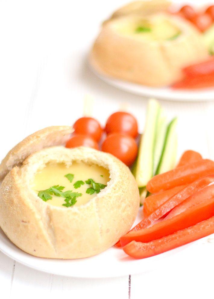Kaasfondue in brood - Uit Pauline's Keuken