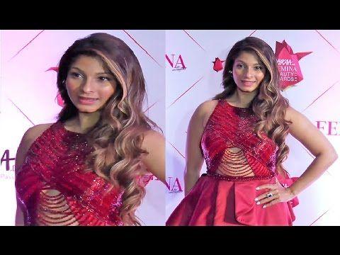Tanishaa Mukerji @ Nykaa Femina Beauty Awards 2017.    Click here to see full video > https://youtu.be/-b3j0bJhc1E  #tanishaamukerji #bollywood #bollywoodnews #bollywoodgossips #bollywoodnewsvilla