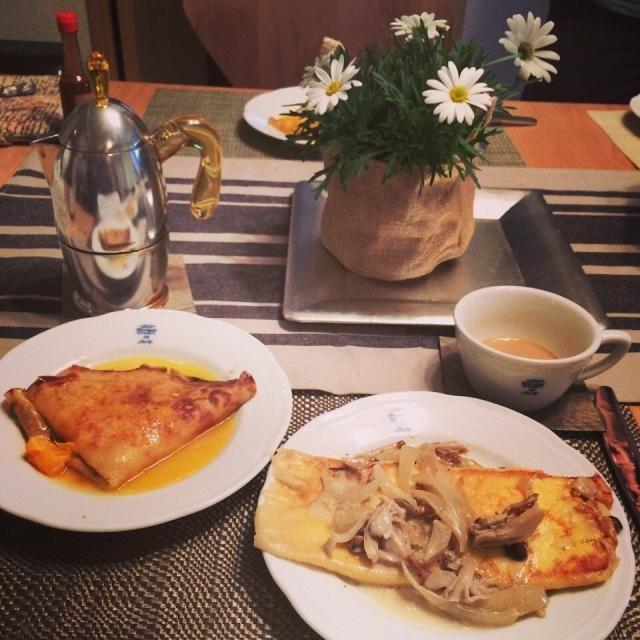 週末の朝ごはんは家でまったりと。 - 16件のもぐもぐ - キノコとチーズのクレープとオレンジとコアントローのクレープ by ikeikooo