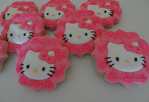 Hello Kitty Chevron Cookies
