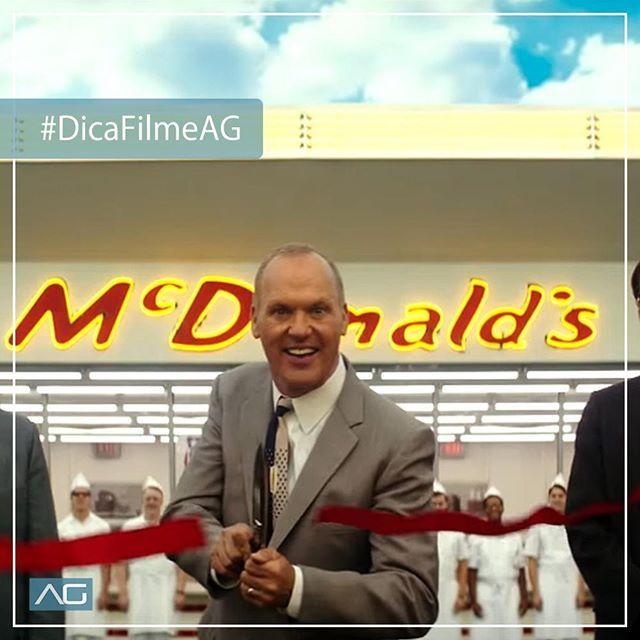 """""""#DicaFilmeAG Você já conhece a historia da ascensão do McDonald's? O filme """"Fome de Poder"""" retrata a historia de Ray Kroc (Michael Keaton) que adquire uma participação nos negócios dos irmãos Richard e Maurice McDonald e aos poucos foi eliminando os irmãos da rede e transformou a marca em um império!"""" by @andersongomesmkt. • • • • • #digitalmarketing #onlinemarketing #marketingtips #contentmarketing #marketingonline #socialmediamarketing #smm #marketingstrategy #emailmarketing…"""