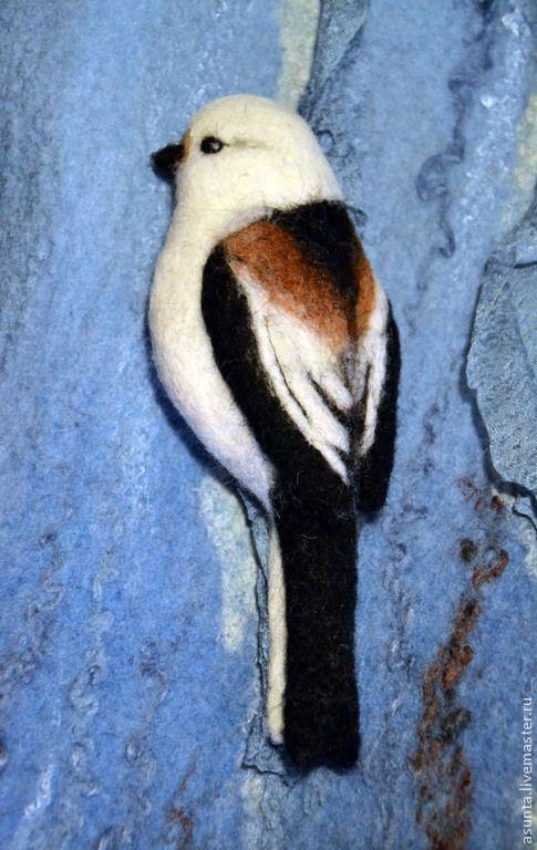 """Купить Брошь валяная """"Ополовничек"""" - чёрно-белый, брошь, птица, Брошь в виде птицы, птичка"""