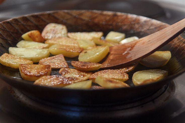 Pfannen aus Eisen: Tipps für die Pflege  #Kochen #Küchenutensilien #Pfanne #Schmiedekunst #Pflege #schmiedeeisernepfanne #graeweshop #Tipps