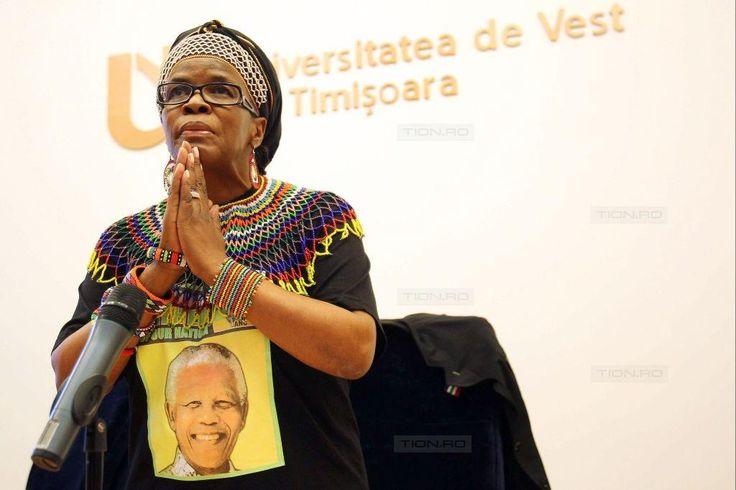 Personalitatea lui Nelson Mandela, elogiata la Universitatea de Vest din Timisoara