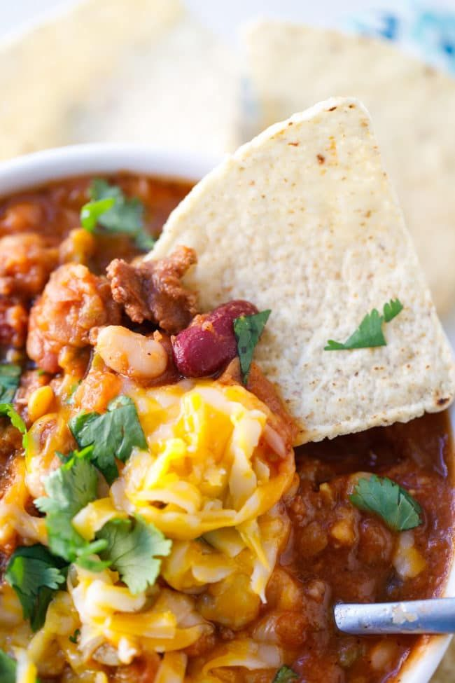 Crock Pot 15 Bean Salsa Chili Recipe - Hearty and delicious slow cooker chili made with salsa! #Chili #15BeanSoup #ChiliRecipe #SalsaChili