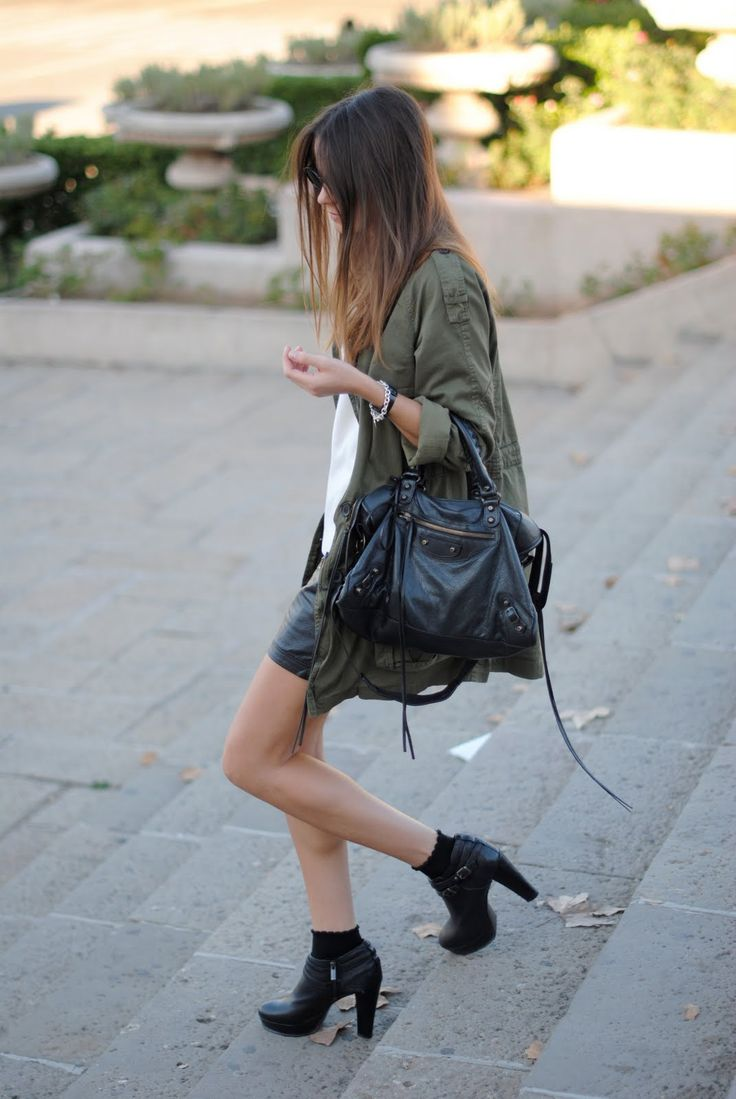 Love both the jacket and the bag!