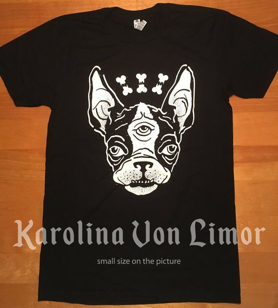 Boston t-shirt! Unisex Karolina Von Limor is a new brand from Quebec City! Ship worldwide