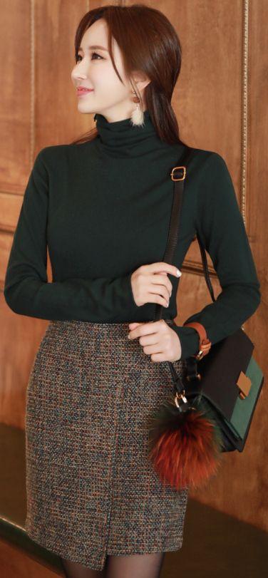 StyleOnme_Wrap Style Mini Skirt #miniskirt #koreanfashion #kstyle #kfashion #dailylook #wintertrend