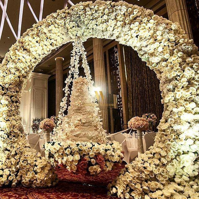 Nigerian Wedding: 19 Luxurious Suspended Wedding Cakes by Lenovelle Cake - Nigerian Wedding
