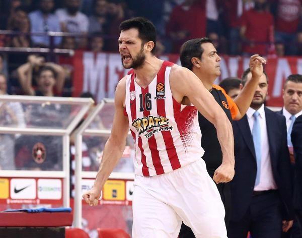 Χάνει και την Αναντολού Εφές ο Κώστας Παπανικολάου! #Red_White #Olympiacos #Anadolu_Efes #Kostas_Papanikolaou #Euroleague