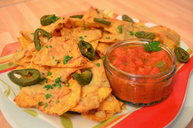 Vegan CooKing: Überbackene Nachos mit DIY Salsa