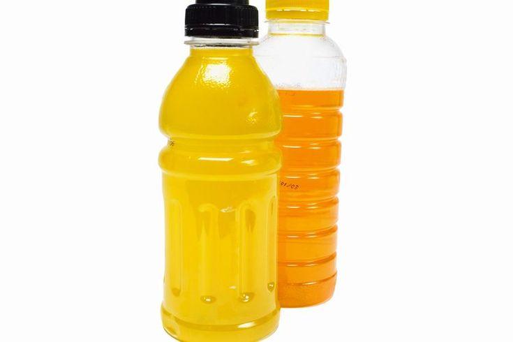 ¿Qué le hace la Gatorade a los atletas?. Beber líquidos es una parte vital en el ejercicio saludable y el rendimiento deportivo. El agua es esencial para el cuerpo humano, ya que protege tus órganos y regula la temperatura corporal. Los atletas tienen opciones cuando se trata de reponer los ...