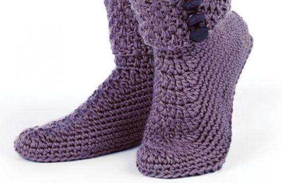 A bota de crochê é ultracharmosa e ainda aquece os pés (Foto: Divulgação)