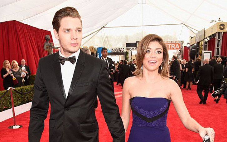 After ending the abusive relationship with ex-boyfriend Mattew Prokop, Modern Family star, Sarah Hyland is dating actor Dominic Sherwood: See the journey of her relationship