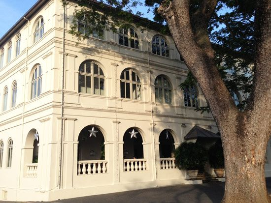 The Amangalla in Galle Fort Sri Lanka is housed in a spectacular Dutch Colonial building which is more than 400 years old.