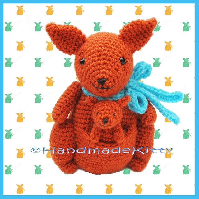 Mummy Kangaroo and Baby Kangaroo Amigurumi Crochet Pattern by HandmadeKitty. Pattern available for purchase here: http://www.etsy.com/listing/97521606/mommy-kangaroo-and-baby-kangarooCrochet Pattern
