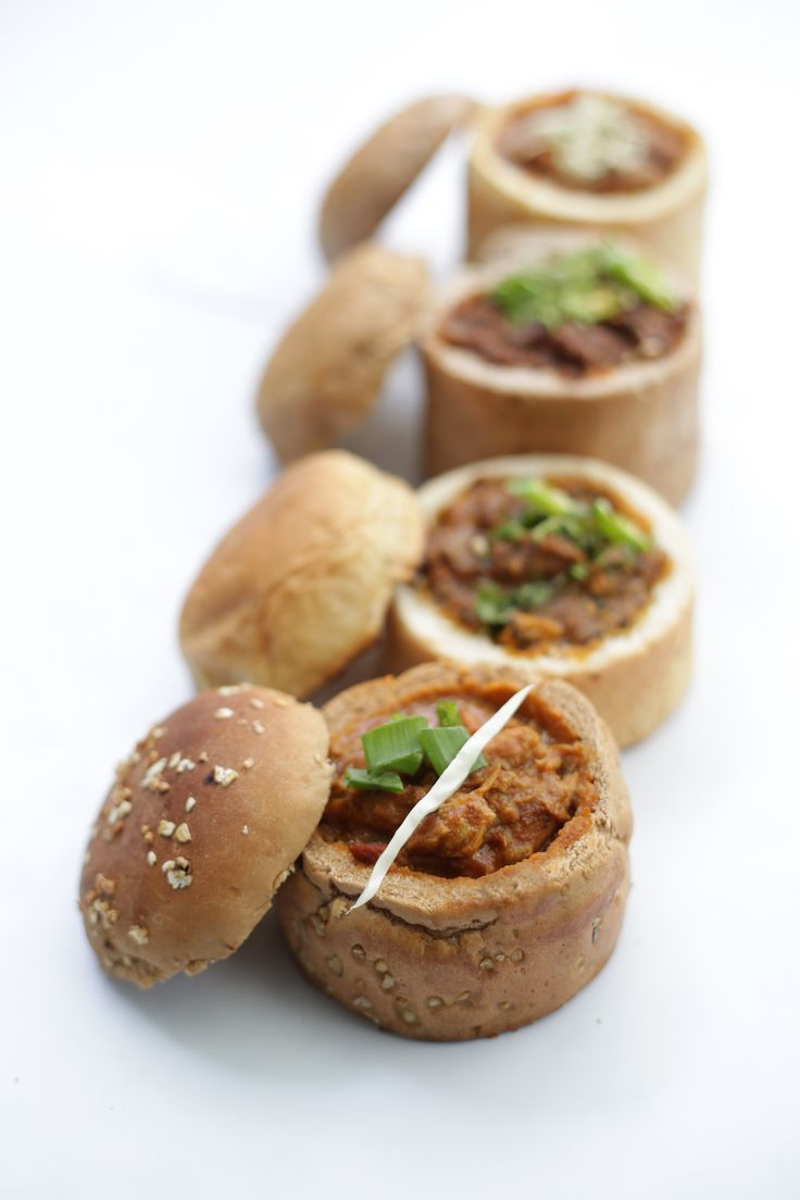 DURBAN BUNNY CHOW: Great place with a new & interesting fusion food concept. Try schezwan paneer bunny chow & chicken fajita bunny chow. Do try chocolate sand.