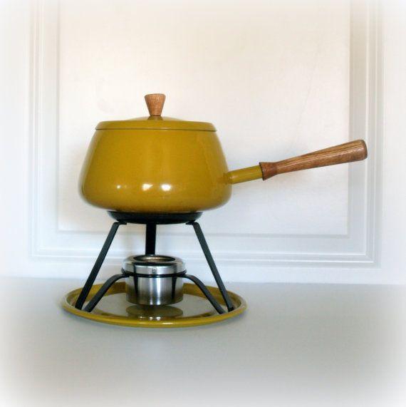 Yellow Kitchen Equipment: Best 25+ Modern Retro Kitchen Ideas On Pinterest
