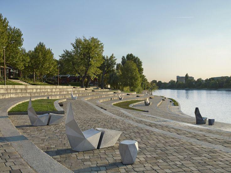 IVANKA QTZ Concrete Edition by Alexander Lotersztain.