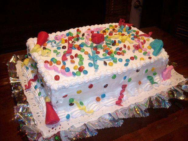 ¡Empezó la fiesta con esta torta!