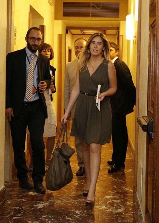 Riecco le scarpe maculate del ministro Boschi- gds.it#tsmmedia#tsmmedia