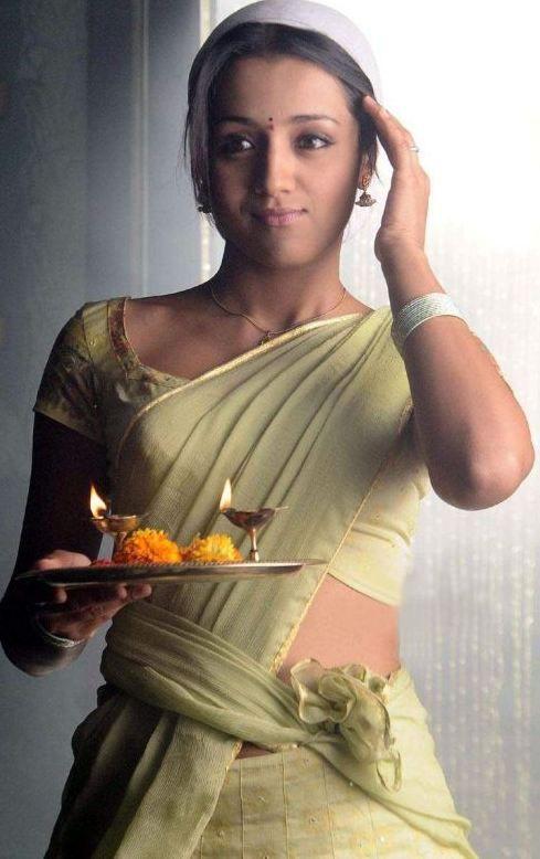 Very simple n' cute Trisha Krishnan