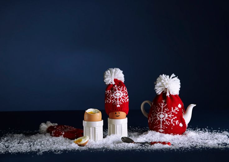 Make breakfast Christmassy with eggcups and knitted egg warmers