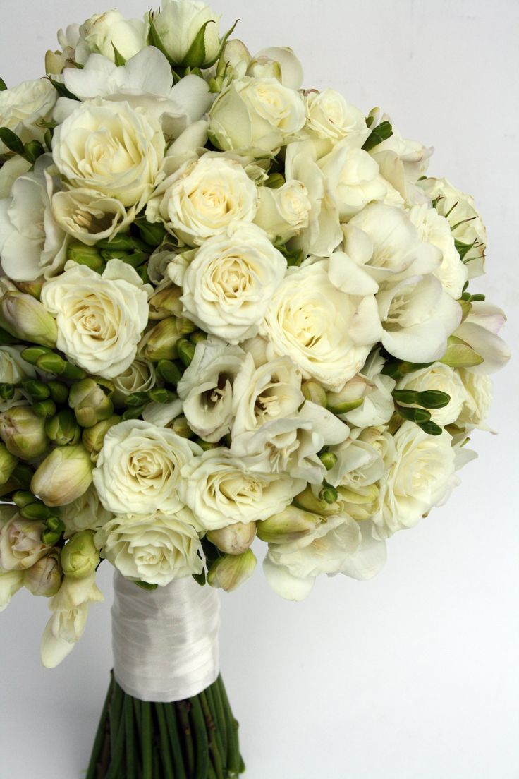 Bridal bouquet by MADA events